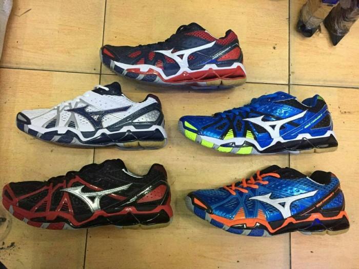 Jual Sepatu Mizuno Wave Tornado 9 Low Premium Quality - 33 Sport ... 9f04479869