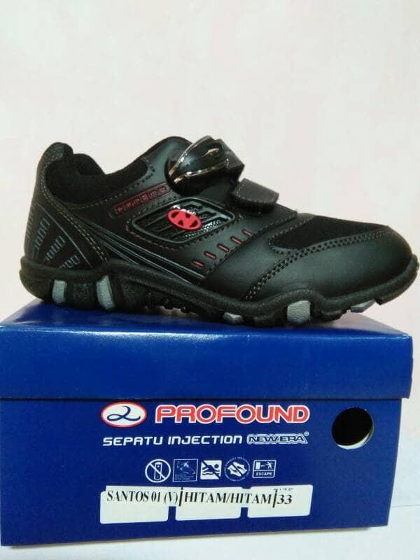 Jual sepatu sekolah anak merk NEW ERA model Magnet Santos - zalam ... 5816d96d5a