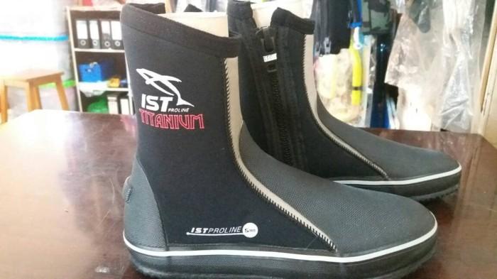 harga Sepatu selam ist model boot untuk diving snorkling rafting di karang Tokopedia.com