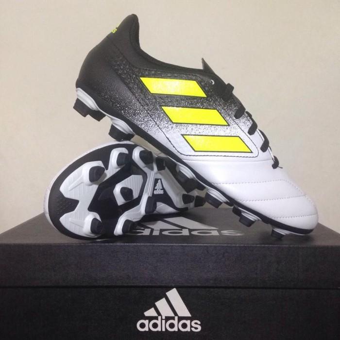 newest ad1ac 5c274 Sepatu Bola Adidas Ace 17.4 FXG White Black S77090 Original BNIB
