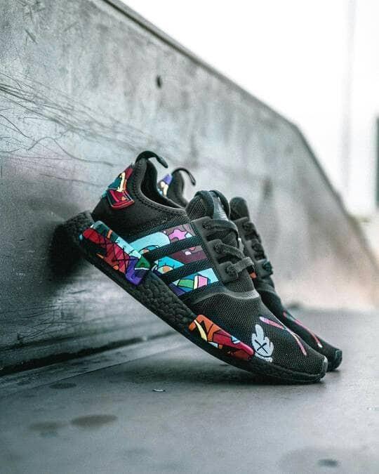 4aae6e91a0d52 Jual Adidas NMD R1 x Kaws Black Sepatu Pria Olahraga PREMIUM - DKI ...