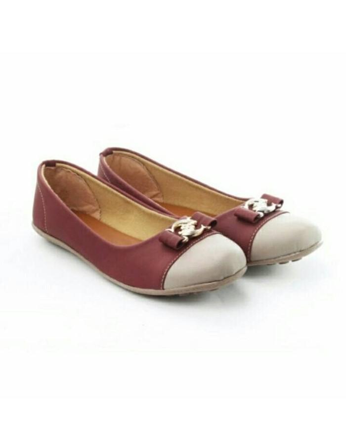 Yutaka Flat Shoes Merah Maroon