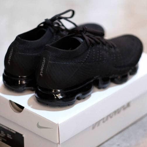 c1aa57a0836 Jual Nike Air Vapormax  The True  Triple Black 3.0 - DKI Jakarta ...
