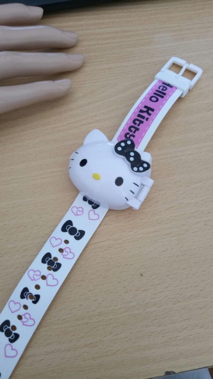 Jam tangan anak karakter hello kitty digital karet premium putih 49b1d2c50c