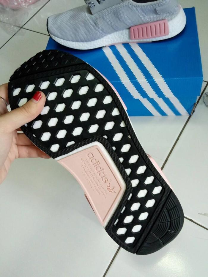 88cf44a8d Jual Adidas NMD R1 Vapour Grey Pink Sneakers Wanita Sepatu Olahraga ...