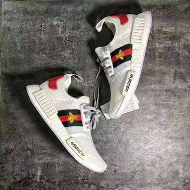 a65d16bc8 Jual Adidas NMD R1 Gucci Bee White Sepatu Sneakers Pria Wanita ...