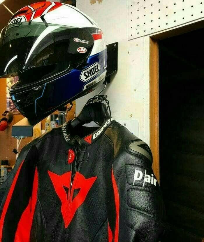 harga Gantungan helm stand helmet wall mount with jacket holder airoh shoei Tokopedia.com