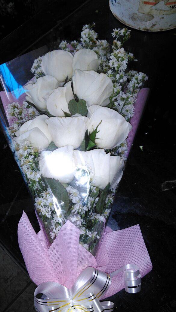 Jual Bunga Buket Mawar Putih Bunga Handbouquet Jakarta Timur