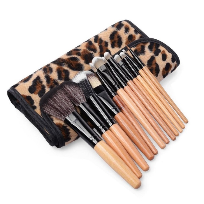 harga Kuas brush make up kosmetik 12 set dengan sarung leopard