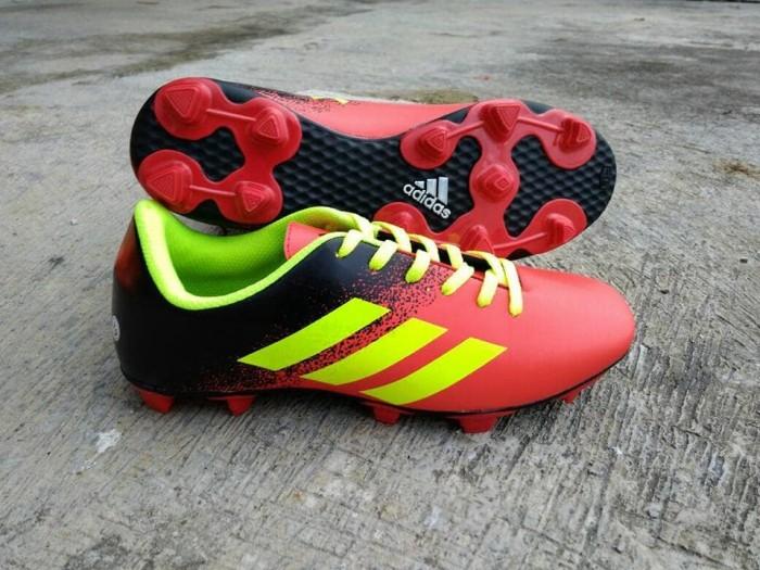 Sepatu Bola Adidas Merah Hitam Greenlight