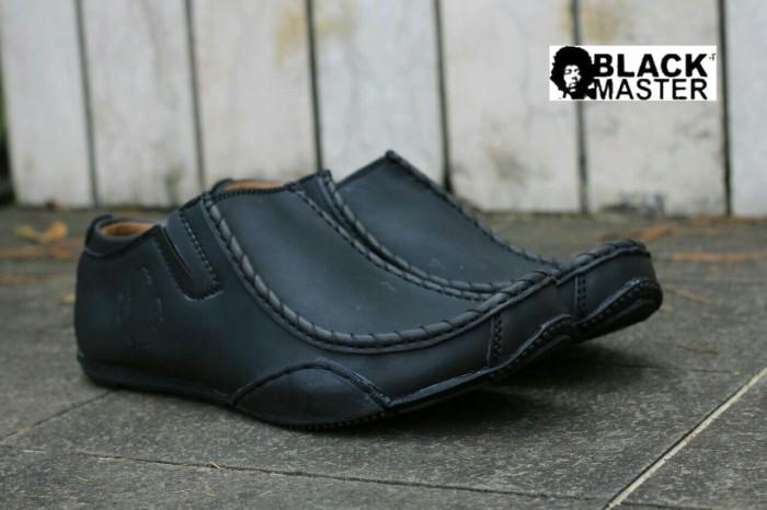 harga Sepatu anak muda original blackmaster slip on ferrari rs +hitam+ Tokopedia.com