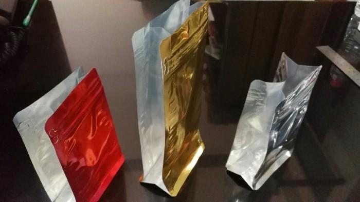 harga Flat bottom kombinasi 250 gusset klip 9.5x15 silver gold black kopi Tokopedia.com