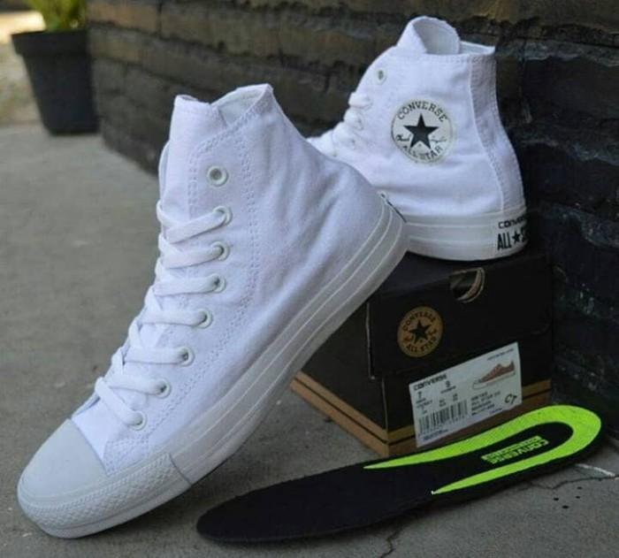 Jual Sepatu Converse CT High Vietnam Putih Full White Sneakers Cewek ... 023f441816