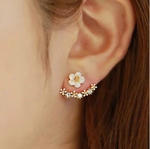 Foto Produk anting hits korea model bunga - Emas dari Goldenesia
