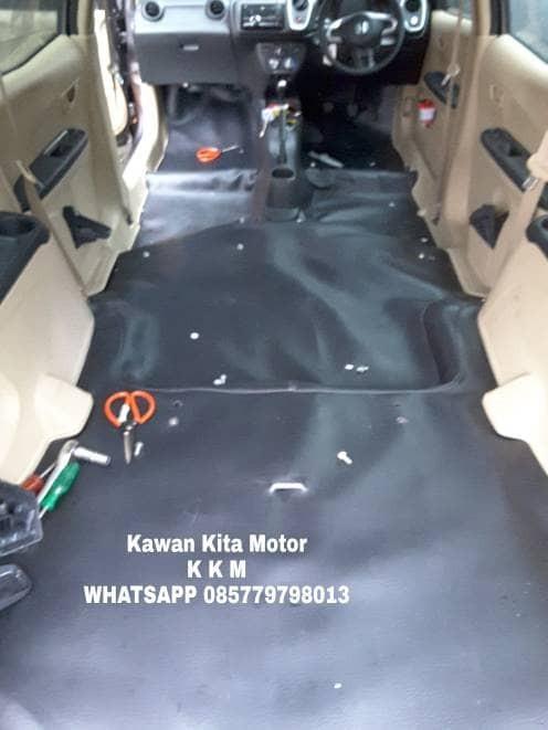 Foto Produk KKM Karpet Dasar Mobil Honda Mobilio Tanpa Sambungan Hitam Cream Abu dari Kawan Kita Motor