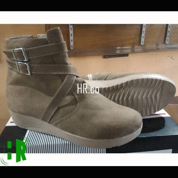 harga Sepatu boot cewek santai casual hangout keren boots wanita Tokopedia.com