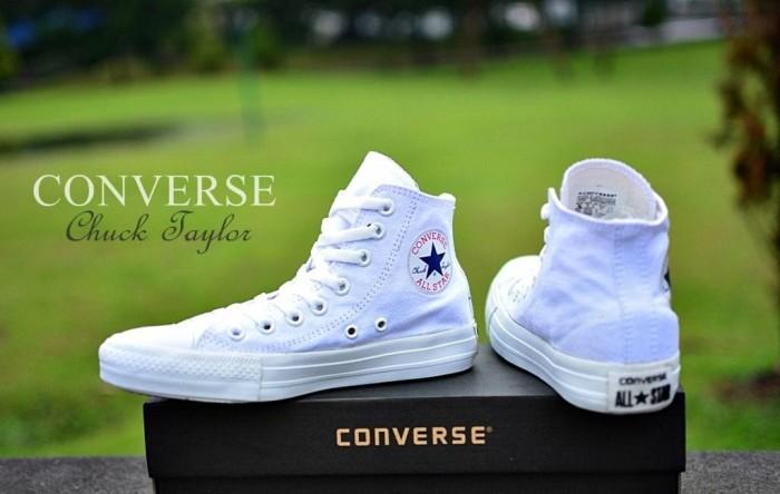 Jual Sepatu All Star Converse Chuck Taylor   CT Putih Tinggi Murah ... eca771a406