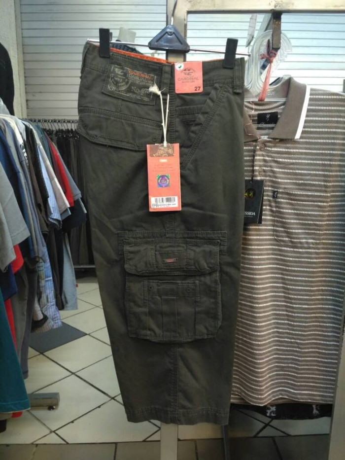 harga Celana pendek 7/8: cargo katun cardinal original warna gelap Tokopedia.com