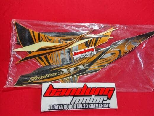 harga Stiker striping skotlet decal sticker body motor yamaha jupiter mx Tokopedia.com
