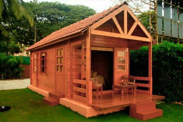 rumah panggung kayu satu lantai
