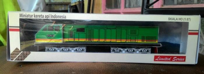 harga Lokomotif cc203 hijau pt tel - miniatur kereta api indonesia Tokopedia.com