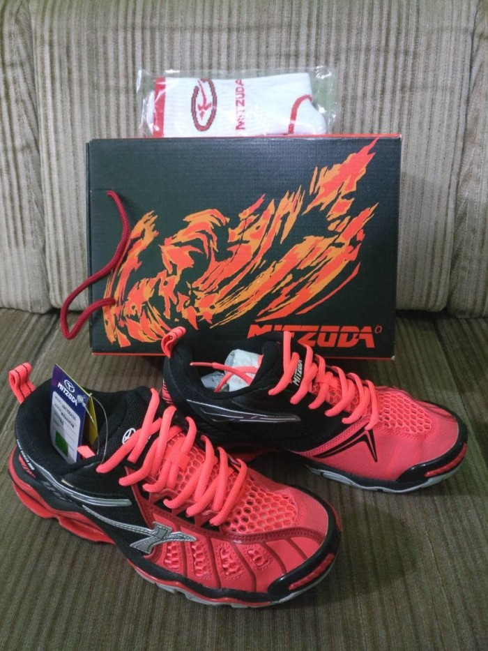 Sepatu volley voli mitzuda light verza duo ii merah hitam original f7adaab80e