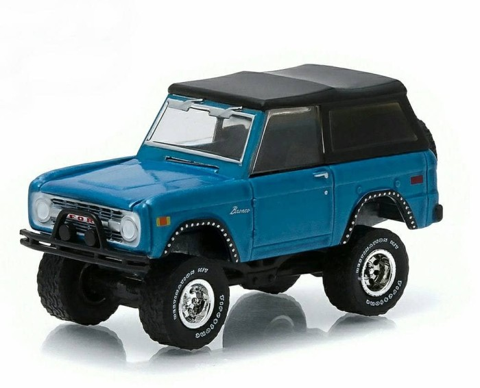 Diecast 1975 Ford Bronco by Greenlight All Terain Series 1/64