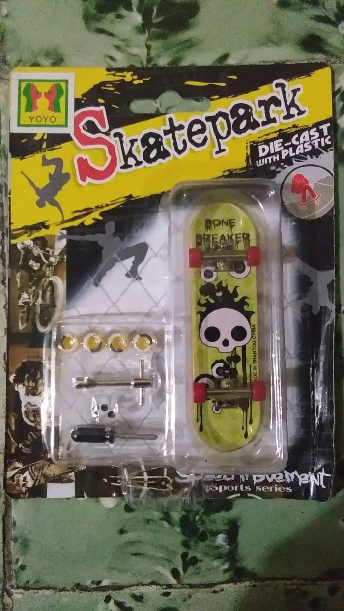 Jual Mainan Skateboard Mini Atau Fingerboard Djuragan Anak Tech Deck Finger Board