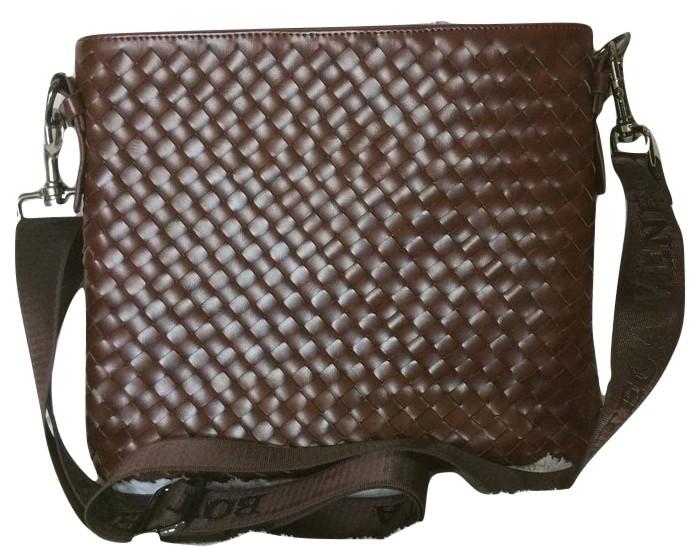 ... harga Tas selempang kulit pria (bottega veneta) brown Tokopedia.com 38c159991f