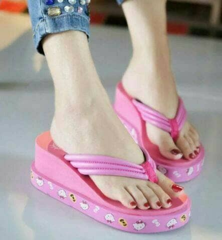 harga Sandal wedges jepit hello kitty pink murah Tokopedia.com