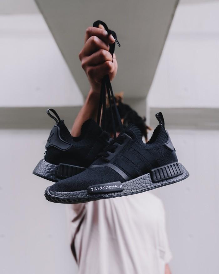 hot sale online bb250 c57ff Jual Adidas NMD R1 Primeknit Japan Triple Black - Kab. Sidoarjo -  Shoeniverse Ltd   Tokopedia