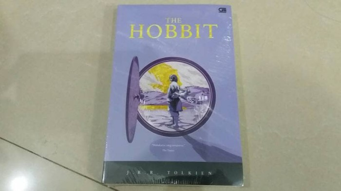 harga Novel the hobbit - j.r.r. tolkien Tokopedia.com