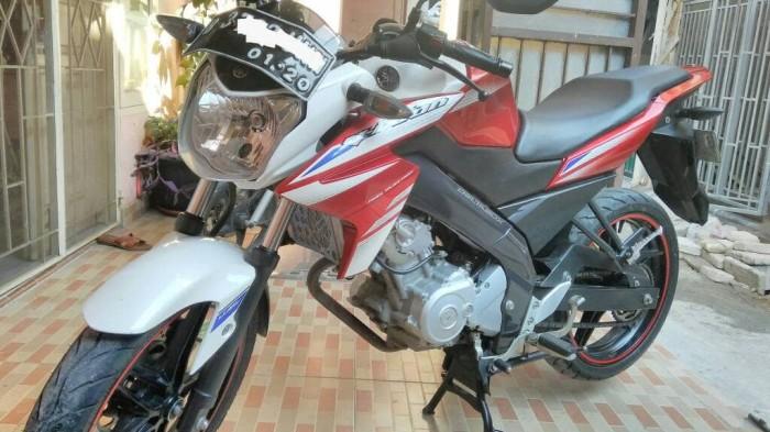 Motor Bekas Yamaha New Vixion Warna Merah Putih Tahun 2015