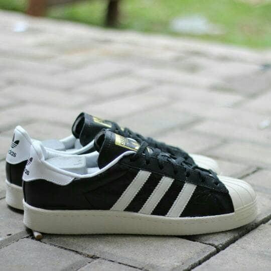 Jual Sepatu Olahraga Adidas Superstar Foundation 80s Black White ... fc7f220cf5