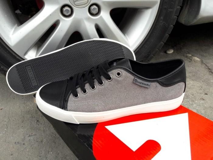 Asli Airwalk Original. Hlton. Sepatu Pria. Casual Sneakers Skateboard