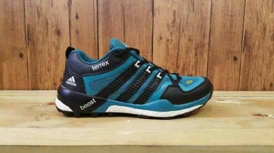 harga Sepatu pria sport sneakers adidas terrex boost import vietnam Tokopedia.com