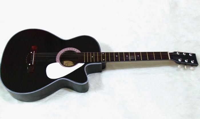 Foto Produk gitar akustik pemula hitam glossy free softcase dari JakartaUndercover.id