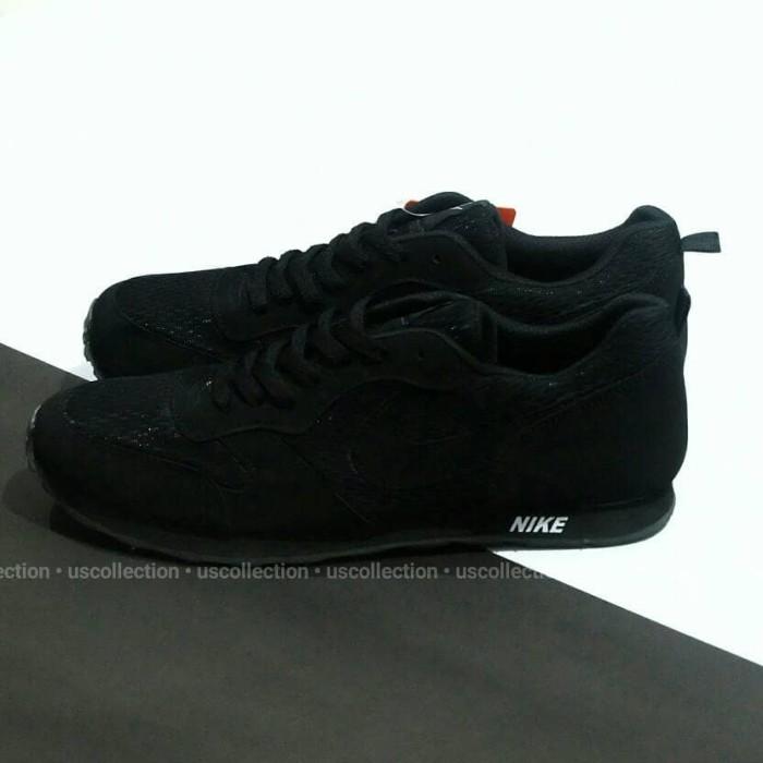 harga Sepatu kets sneaker pria nike md runner full hitam Tokopedia.com