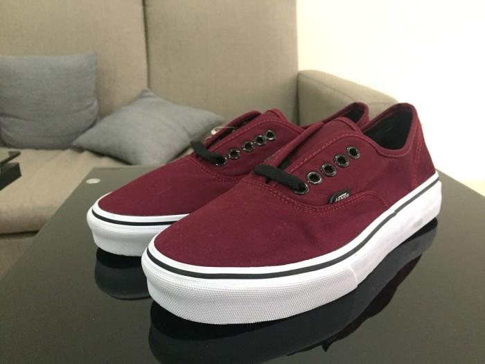 38ba3bbd7b Jual Vans Authentic Classic Maroon Klasik Merah Marun Sepatu Pria ...