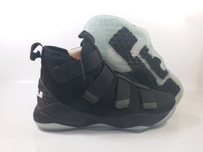 Jual Sepatu Basket Nike Lebron Soldier 11 Prototype Blackout Full ... 07981baa7d