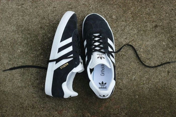 126a27172bf Jual Sepatu Adidas Gazelle II Black White Original Made In Indonesia ...