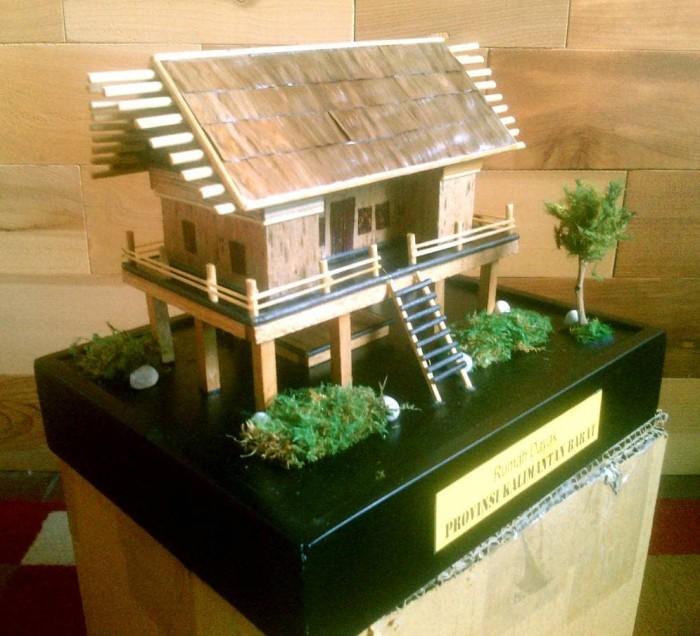 Jual Miniatur Rumah Adat Dayak Kalimantan Barat Kota Cimahi Arqee Art Tokopedia
