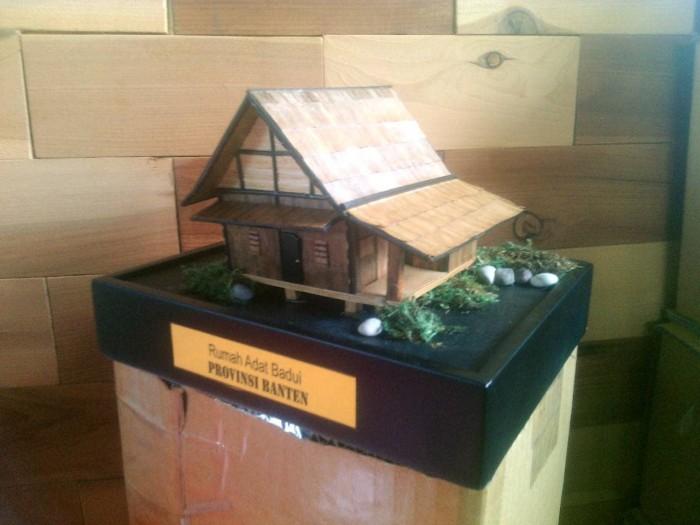 Jual Miniatur Rumah Adat Badui Banten Kota Cimahi Arqee Art Tokopedia