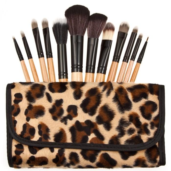 harga Brush make up kosmetik 12 set dengan sarung leopard - kuas kecantikan