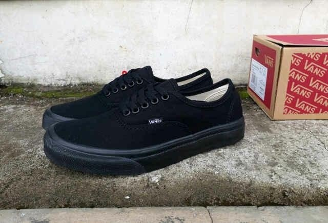 Info Vans Authentic Hitam Travelbon.com