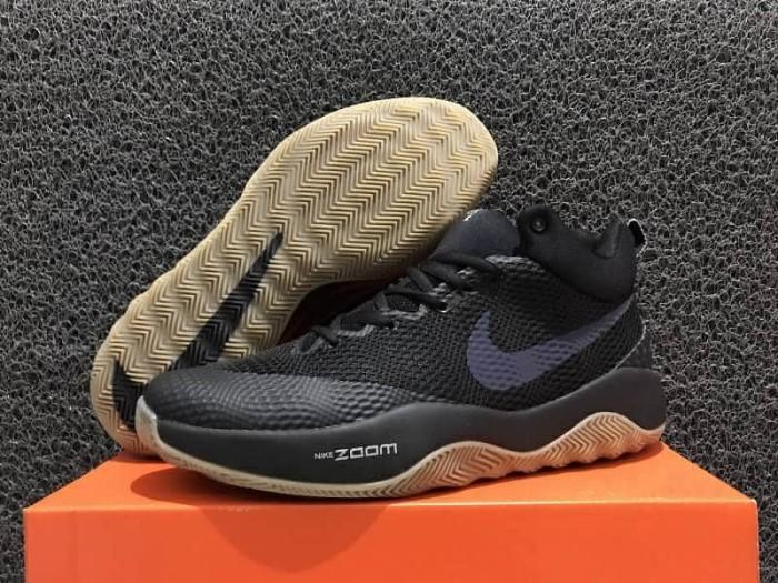 separation shoes 122b1 cbae0 Sepatu Basket Kuliahsepatu basket nike hyperrev 2017 black gum