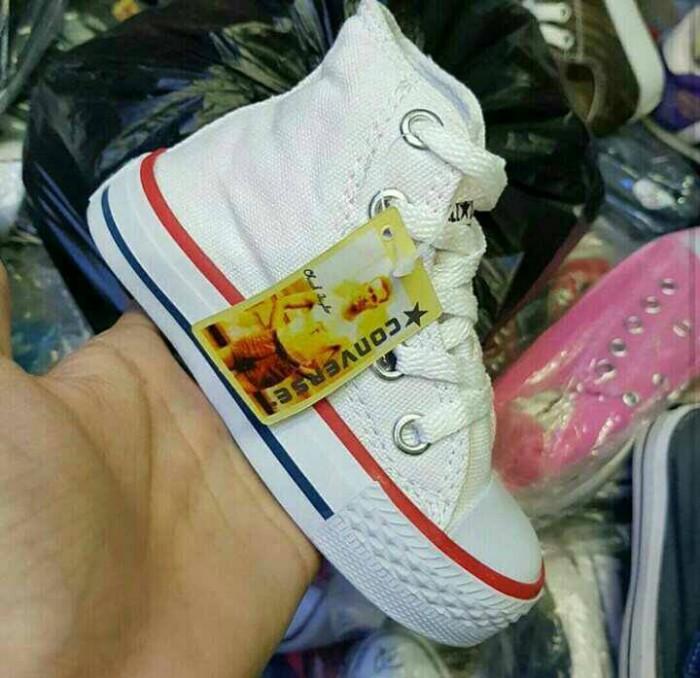 harga Sepatu anak converse kids high   kado anak   balita Tokopedia.com 9e0c659669