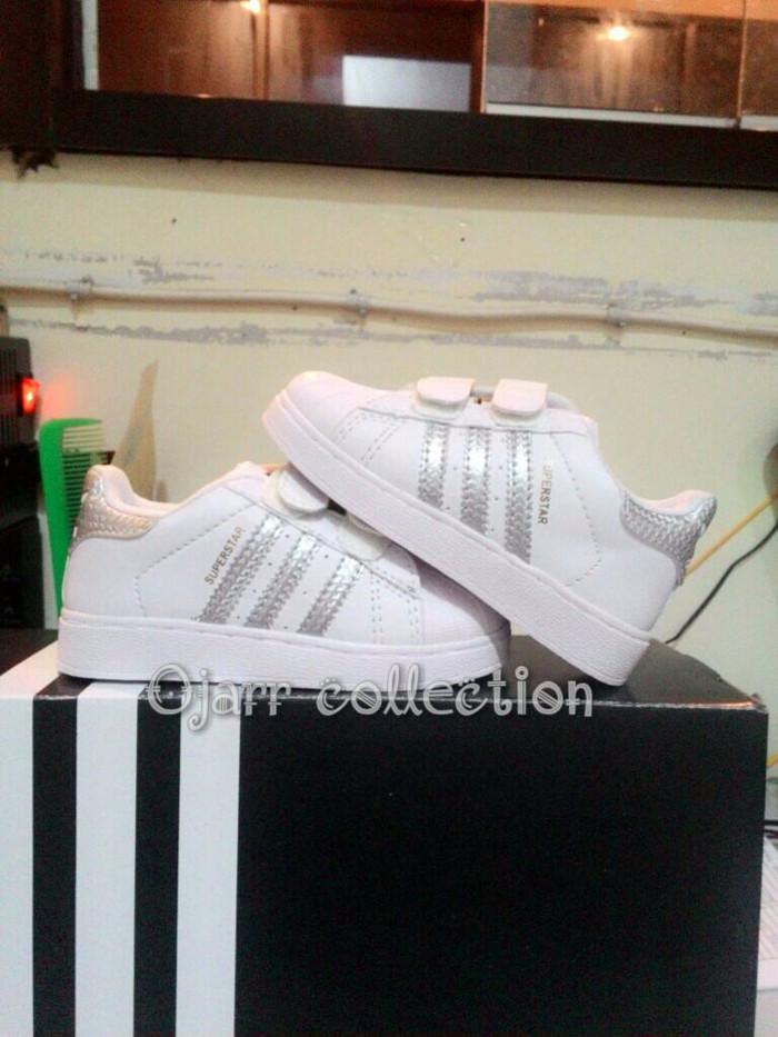 Katalog Sepatu Adidas Superstar Travelbon.com