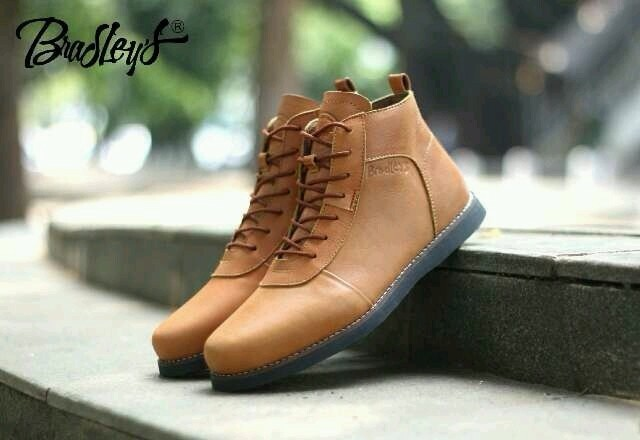 harga Sepatu pria boots kulit coklat tan tali bradleys anubis Tokopedia.com