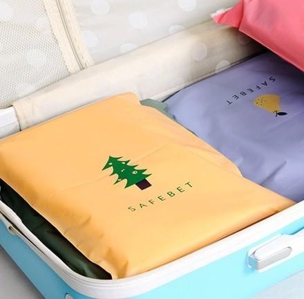 Foto Produk Kantong Plastik Travel dengan Ritsleting (Pohon Cemara) Limited dari Perkakas Anda
